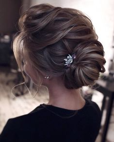 Wedding Hairstyles For Long Hair Beautiful wedding updo hairstyle ,messy updo wedding hairstyles ,chignon , messy updo hairstyles ,bridal updo Evening Hairstyles, Best Wedding Hairstyles, Bride Hairstyles, Trendy Hairstyles, Updo Hairstyle, Gorgeous Hairstyles, Modern Haircuts, Vintage Hairstyles, Summer Hairstyles