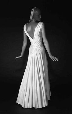 "1936 ""Diamond Horseshoe"" silk gown by Elizabeth Hawes at the Met"