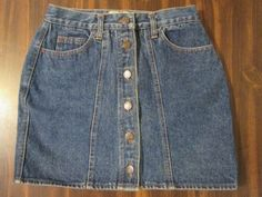 MINI DENIM SKIRT BUTTONS DOWN FRONT SISLEY CLASSICS MADE IN ITALY SIZE 26""