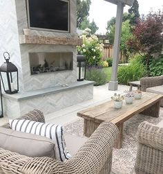 Exterior Patio Area Furniture for Great Houses – Outdoor Patio Decor Living Pool, Outdoor Living Areas, Outdoor Rooms, Outdoor Decor, Outside Living, Patio Design, House Design, Outdoor Fireplace Designs, Outdoor Fireplace Patio