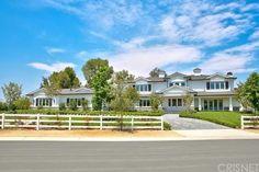 Aos 19 anos, Kylie Jenner compra sua quarta mansão