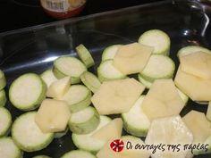 Εξαιρετική συνταγή για Κολοκυθάκια φούρνου με τυριά. Μια διαφορετική εκδοχή για τα κολοκυθάκια φούρνου για όσους δεν αγαπούν τόσο τα λαχανικά. Λίγα μυστικά ακόμα Δεν θέλει αρκετό λάδι η συνταγή και χρησιμοποιούμε πολύ λίγο νερό. Στην ουσία τα λαχανικά ψήνονται στον αέρα. Αν υπάρχει μάραθος είναι ακόμα πιο καλό.Το προτείνω ανεπιφύλακτα. Εγώ με αυτή την συνταγή έμαθα να τρώω κολοκύθια.Ευχαριστούμε την ANGOLINA για τις φωτογραφίες βήμα βήμα.