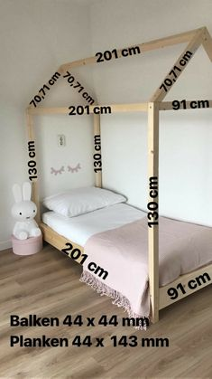 Make a bed casita measures cama Casita Fabricar medidas montessori is part of Toddler rooms - Girl Decor, Baby Room Decor, Bedroom Decor, Room Baby, Bedroom Curtains, Satin Curtains, Childrens Room Decor, Bedroom Storage, Baby Bedroom