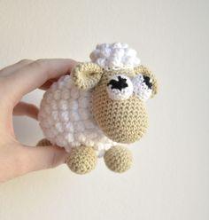 Crocheted animals and amigurumi Archive - KreaLoui Love Crochet, Crochet For Kids, Crochet Yarn, Crochet Toys, Baby Knitting Patterns, Amigurumi Patterns, Crochet Patterns, Felt Toys, Crochet Animals