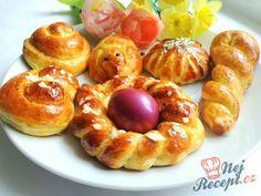 Velikonoční jidáše | NejRecept.cz Pretzel Bites, Doughnut, Food To Make, Beverages, Muffin, Pudding, Easter, Sweets, Bread