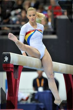 Gymnastics Photography, Gymnastics Outfits, Gymnastics Pictures, Sport Gymnastics, Artistic Gymnastics, Olympic Gymnastics, Gymnastics Leotards, Sporty Girls, Gym Girls