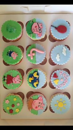 Peppa pig cupcakes Pig Cupcakes, Themed Cupcakes, Cupcake Cakes, Peppa E George, George Pig, Cookie Cups, Party Cakes, Cake Toppers, Fondant