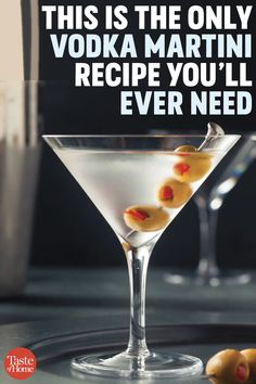 This is the only vodka martini recipe you ll ever need rosemary greyhound cocktail vodka and grapefruit juice with a rosemary infused simple syrup cocktails vodka Martinis, Vodka Cocktails, Martini Bar, Best Martini Recipes, Cocktail Recipes, Dirty Martini Recipe Vodka, Fun Drinks, Yummy Drinks, Vodka Drinks