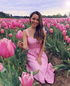 Another tulip fields inspired picture. Loving the pink dress. Jessica Ricks, Hapa Time, Lady, Tulip Fields, Girls With Flowers, Foto Pose, Aesthetic Girl, Pink Dress, Portrait Photography