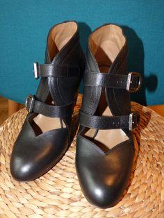7d22e89374dec Escarpins défilé en cuir noir et boucle Sonia Rykiel Cuir Noir, Bottes,  Escarpins,. eBay