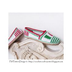 From Italy with Love! Italian Flag-Tag Slippers/Espadrilles. Crochet pattern.
