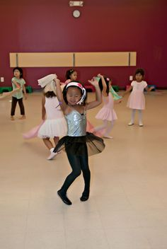 There are so many fun themes this summer for kids dance classes at Dance to EvOLvE! From Bubble Day to a dance party with your child, the excitement never ends! Kids Dance Classes, Summer Classes, Class Routine, Teach Dance, Partner Dance, Dance With You, Dance Fashion, Kids House, Beach Themes