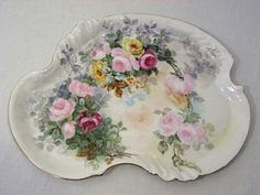 Antique Vanity Dresser Perfume Tray Hand Painted Limoges Roses William Guerin very early Antique Dishes, Antique China, Vintage China, Vintage Tea, Hand Painted Dressers, Hand Painted Dishes, Painted Vanity, Painted Porcelain, Antique Vanity