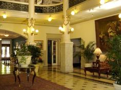 Menger Hotel Lobby, SATX. I'm told R.E.Lee once rode his horse into this space ...  but I can't remember why.