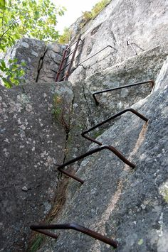 Acadia Precipice Trail - For a good portion of the trail, the route uses natural features in the rock or the rock itself for climbing, but near the top of the cliff, the trail builders had to install iron wrungs and ladders to get up vertical sections of the wall. Find places to stay in Bar Harbor http://www.visitmaine.net/town/24/bar-harbor