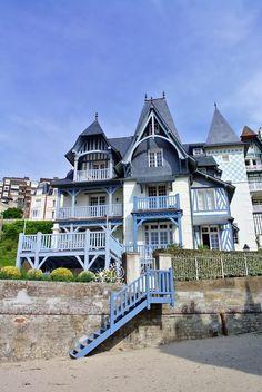 House in Trouville, Normandie Region Normandie, Normandie France, Villas, Omaha Beach, Porch And Balcony, Honfleur, Beautiful Paris, Living In Europe, Voyage Europe