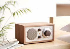Tivoli Audio - M1CLA - Model One Radio de salon AM-FM Façade beige, boîtier noyer: Amazon.fr: TV & Vidéo - 199€