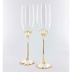 @Overstock - Celebrate your memorable moments with a lovely 2-piece champagne flute set  Barware will be a timeless addition to every meal  Toasting flutes capture elegance so gracefullyhttp://www.overstock.com/Home-Garden/Handcrafted-Daisy-Toasting-Flutes-Set-of-2/4346203/product.html?CID=214117 $57.99