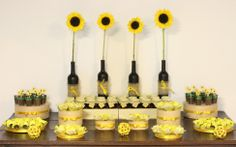 Decor, sunflower, girassol, rustic, rustico, aniversario, birthday, party, festa, dessert table, mesa de doces, amarelo, yellow, homemade jam, geleia caseira, party favor, mimos