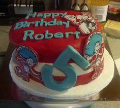 The Cat In The Hat Cake  1/2