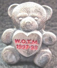 Vintage Women of The Moose (WOTM) 1997-98 Pewter Bear Lapel Pin