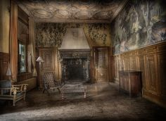 The Towers abandoned hotel :: by Andre Govia., via Flickr
