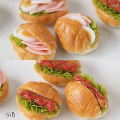 Tiny Food, Fake Food, Mini Cafe, Matchbox Crafts, Barbie Miniatures, Waffle Sandwich, Mini Sandwiches, Doll Food, Cute Desserts