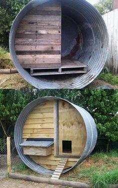 Poulailler avec un réservoir d'eau. 21 idées géniales de poulaillers à construire soi-même avec de la récup