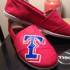 Fantastic faux Toms in the style of Texas Rangers!!