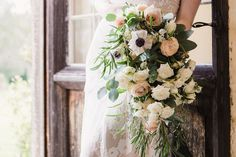 Gorgeous bouquet with Cheyenne wedding dress from Romantique by Claire Pettibone, Photo: Jade Osborne https://romantique.clairepettibone.com/collections/into-the-sunset-lace-wedding-dresses/products/cheyenne-in-ivory