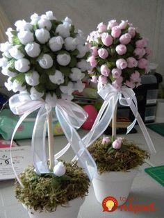 Flower ball to make by Vanessa Vidrine Paper Flowers Diy, Handmade Flowers, Flower Crafts, Wedding Centerpieces, Wedding Decorations, Table Decorations, Bouquet Cadeau, Diy And Crafts, Paper Crafts