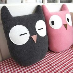 ID Doudou hibou (via repin). Cute; possible handmade gift for friends with little ones.