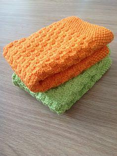 Tangs univers: Håndklæder i forårshumør Knitting Stitches, Knitting Patterns Free, Free Pattern, Crochet Patterns, Knit Basket, Knit Dishcloth, Knit Crochet, Towel, Blanket