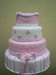 4 andares bolo ideal para tema jardim, princesas, rosa/branco/marrom. R$ 298,90