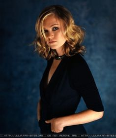 julia stiles   Julia Stiles to be mysterious on Showtime's Dexter