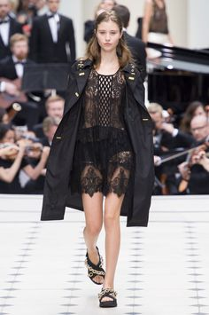 Burberry Prorsum - The Must-See Runway Looks From London Fashion Week Spring 2016 - Livingly