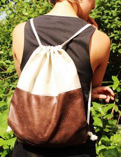 Turnbeutel bei Dawanda!   #turnbeutel #beutel #tasche #rucksack #seesack #nähen #sewing #twotone #bag #backpack #brown #nude #fashion #accessories #handbag #shoppint #maritim #nautisch #nautical #decor #design
