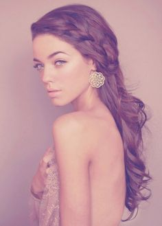 Simple braid with soft curls and soft make up