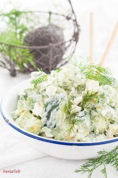 Cremiger Sommersalat mit Gurke, Avocado, Feta und Dill
