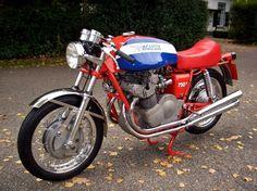 MV Agusta 750S - Vintage Motorcycles Online
