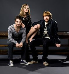 Daniel Radcliffe, Emma Watson and Rupert Grint - Something of little concern is . - Daniel Radcliffe, Emma Watson and Rupert Grint – Something of little concern is the venture of th - Harry James Potter, Harry Potter Tumblr, Harry Potter Hermione, Harry Potter World, Images Harry Potter, Mundo Harry Potter, Harry Potter Quotes, Harry Potter Characters, Harry Potter Enfants