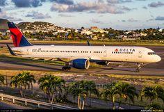 Delta Airlines N693DL aircraft at St. Maarten, Princess Juliana Int.