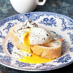 брускетта с яйцом пашот by Natalia Lisovskaya on 500px