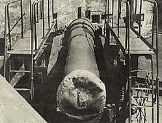 The ten-inch guns of Battery Russell at Fort Stevens were near the baseball diamond damaged by a shell fired from a Japanese submarine. (National Archives, image no. ARC 299687)