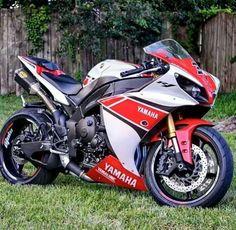 Bike Nations - Fails, Crash, Cops vs Bikers and much more! Motos Yamaha, Yamaha Motorcycles, Yamaha Yzf R1, Ducati, Yamaha R1 2009, Custom Street Bikes, Custom Sport Bikes, Moto Bike, Super Bikes