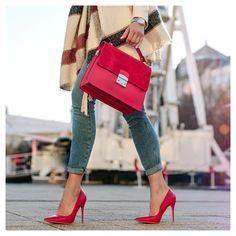Autumn red leather bag pumps coat and s. Camelia Roma, Red Leather, Leather Bag, Fashion Tag, Hermes Kelly, Autumn Fashion, High Heels, Pumps, Shoulder Bag