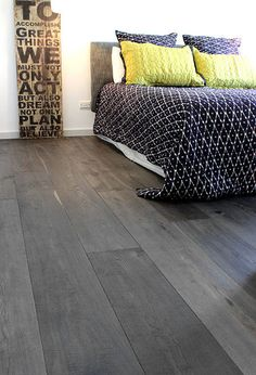 Fantastic Bamboo Flooring Ideas Vintage Pearl Bamboo In A Modern Living Room - Home Interior Design Ideas Grey Hardwood Floors, Hardwood Floor Colors, Grey Flooring, Flooring Ideas, Engineered Hardwood, Grey Floorboards, Dark Timber Flooring, Wide Plank Laminate Flooring, Bamboo Hardwood Flooring