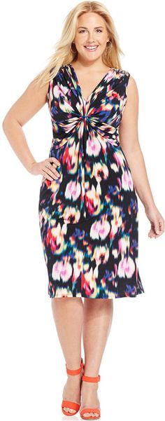In case I didn't already pin this dress (Want!) :) Plus Size Twist-Front Printed Dress