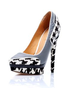 L.A.M.B. Pumps for $145 at Modnique. Start shopping now and save 63%. Flexible return policy, 24/7 client support, authenticity guaranteed