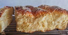 Ελληνικές συνταγές για νόστιμο, υγιεινό και οικονομικό φαγητό. Δοκιμάστε τες όλες Greek Sweets, Greek Desserts, Greek Recipes, Fun Desserts, How To Make Cake, Food To Make, Koulourakia Recipe, Greece Food, Happy Foods